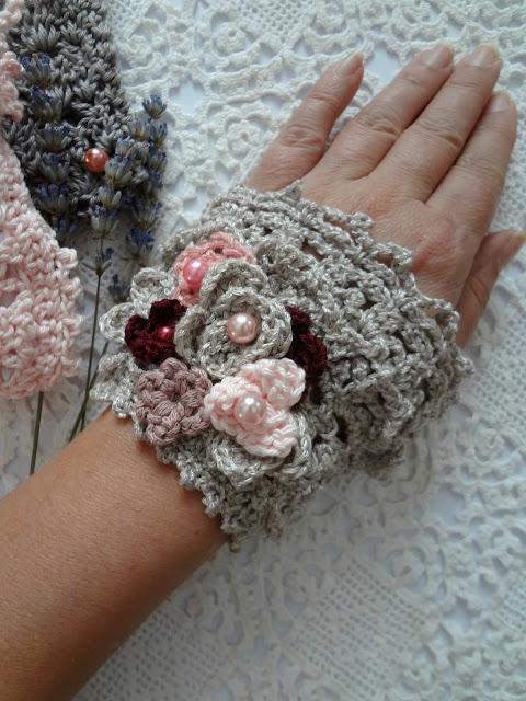 Brontë Crochet Cuff
