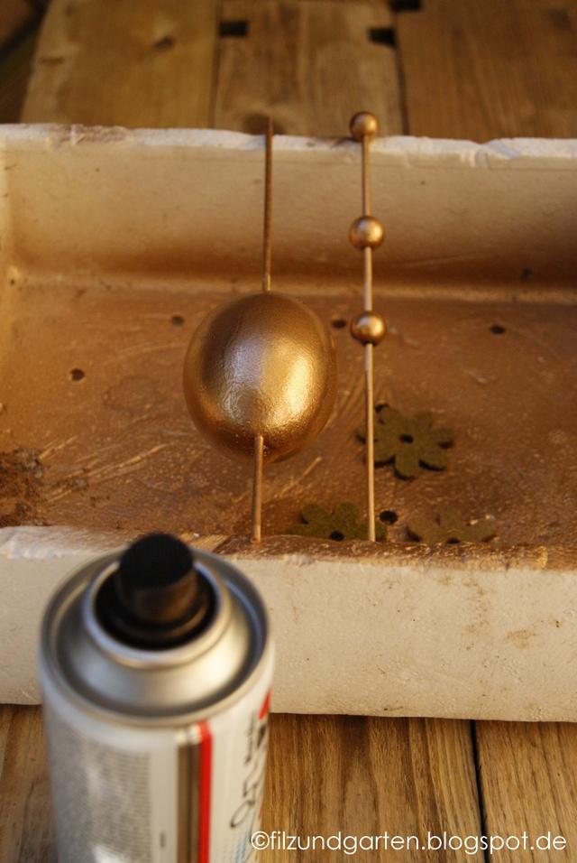 DIY - Ostereier und Holzperlen mit Goldlack einsprühen