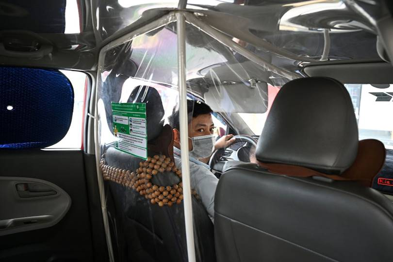 The driver arranged a place for himself inside a plastic bag. (Photo by Manan Vatsyayana)
