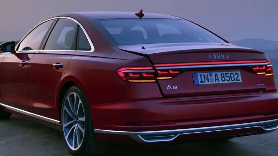 Audi-A8-Matrix-OLED