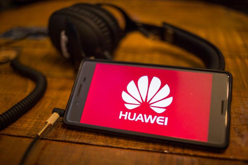 Trump, Presiden Amerika Serikat Izinkan Kembali Perusahaan AS Jual Produk Ke Huawei