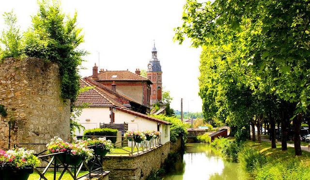 Crecy-la-Chapelle - la vallée des peintres du grand Morin