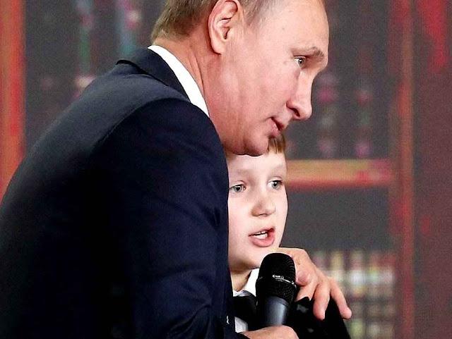 Putin corrige a criança prodígio Miroslav Oskirko: 'a Rússia não tem fronteiras'