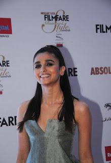Alia Bhatt Stills At Filmfare Glamour and Style Awards (4)