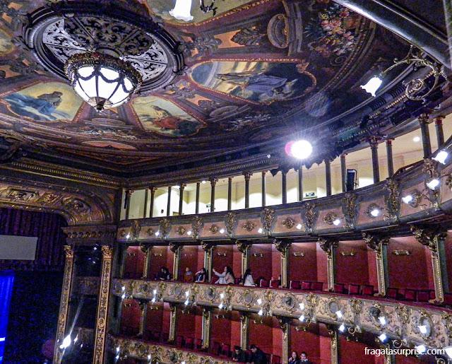 Decoração do Teatro Colón de Bogotá, Colômbia