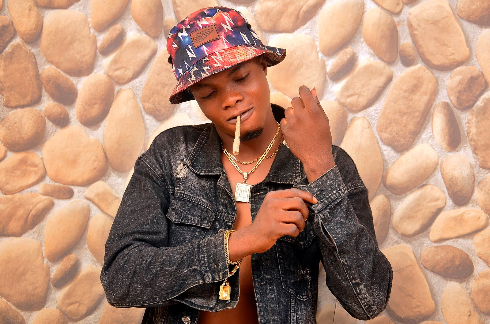 KingEzzy Shares Banging Photos as He Rocks New Look2