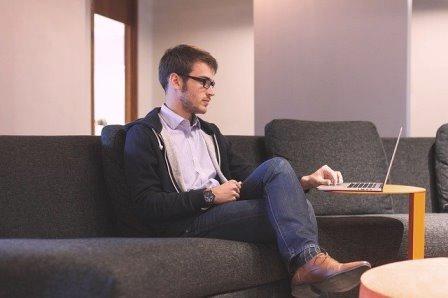 5 Bisnis Online yang Bisa Dilakukan di Rumah Saja