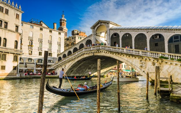 Romantic venice gondola ride for two offers online