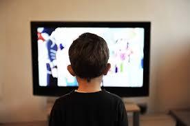 cara menonton tv dengan jarak dekat