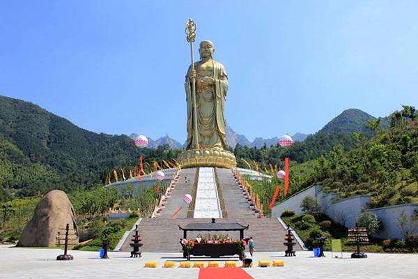 ภูเขาจิ่วหัวซาน (Mount Jiuhua: Jiuhuashan : 九华山) @ www.alicdn.com