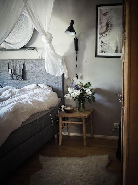 Boheemi makuuhuone sisustus