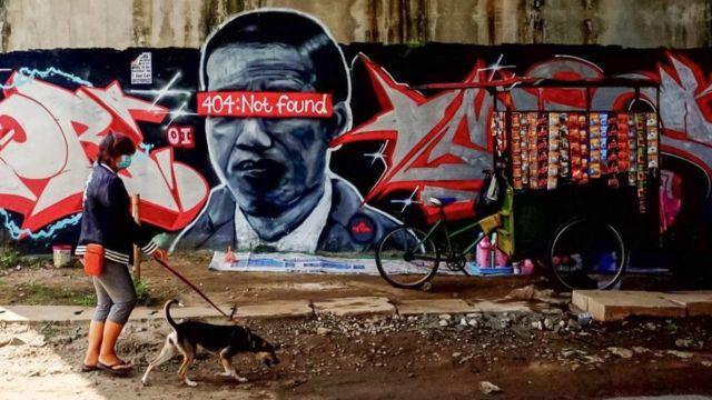 Di Saat Polisi Sibuk Kejar Pelaku, Wali Kota Tangerang Justru Apresiasi Mural Jokowi '404 Not Found' di Daerahnya