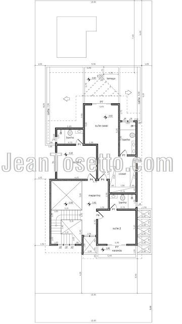 A planta do pavimento superior é reservada para o mezanino com visão para as salas e para três suítes, com área projetada de 105 m². No total, a residência possui 282 m² num lote com área livre de 183 m², aproximadamente.