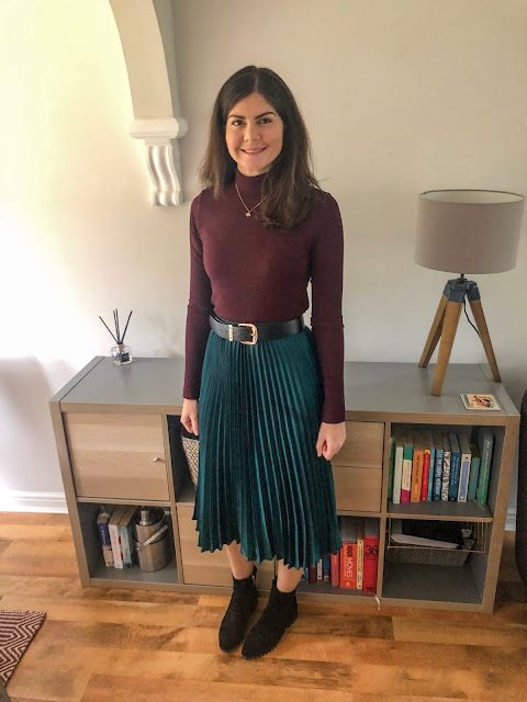 Style makeover in Newcastle- pleated H&M skirt