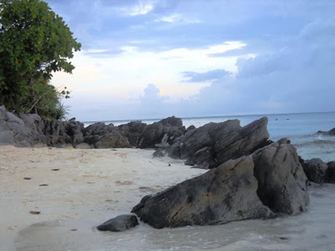 Pantai Ujung Gelam - Dok Siska