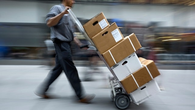 choosing shipping companies package delivery company