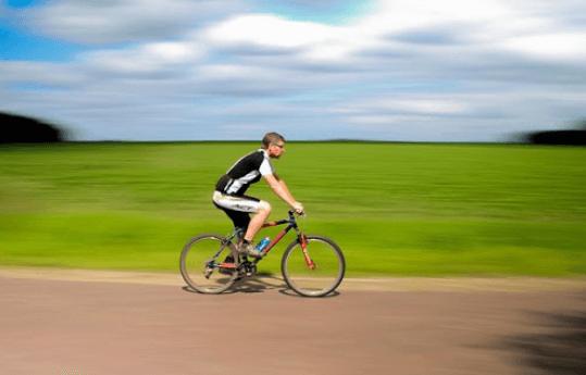 9 Tips Pemanasan yang Harus Dilakukan Sebelum Bersepeda