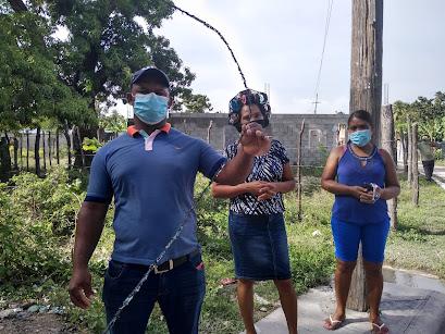 Moradores del sector Majagual en Cabral  demandan de Edesur instalar cables eléctricos