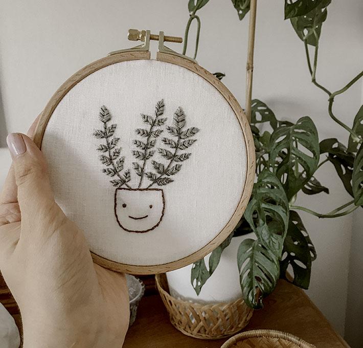 Kirjontatyö, itse tehty, viherkasvi