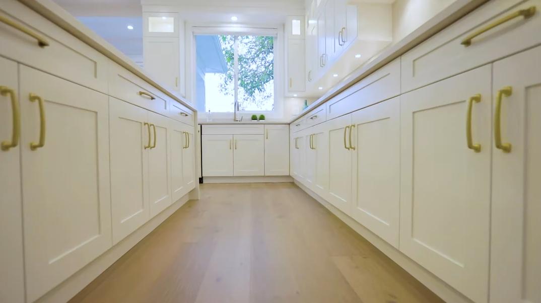 57 Interior Photos vs. 14486 17th Ave, Surrey, BC Luxury Home Tour