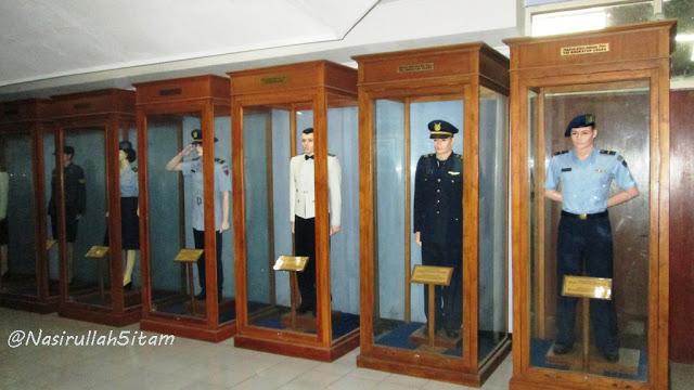 Ruang seragam dan pahlawan di museum