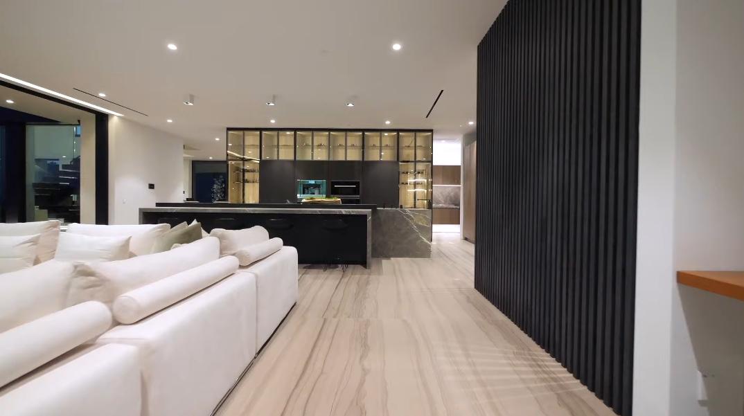 61 Interior Photos vs. 1332 Laurel Way, Beverly Hills, CA Ultra Luxury Modern Mansion Tour