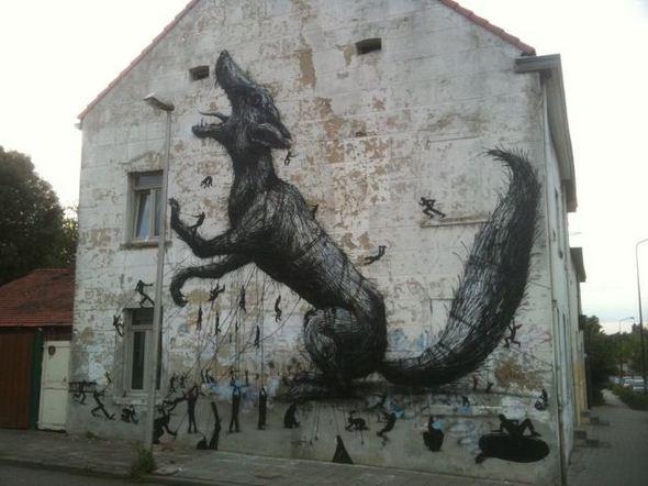 الفن بأى شىء وعلى أى شىء street-art-work-29.j