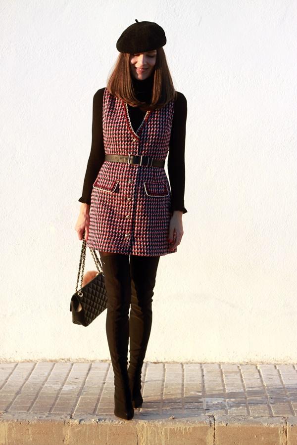 Pichi chanel, look casual, botas legguins