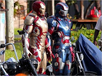 SUPER KEREN! Seragam Militer Amerika Mirip Iron Man + Foto Seragam Militer Terunik