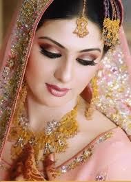 usa news corp, Mahulena Bočanová, homeshop18.com tikka head piece online buy, indian headpiece jewelry in United Kingdom, best Body Piercing Jewelry