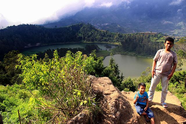 Selfie di atas Bukit Ratapan Angin.