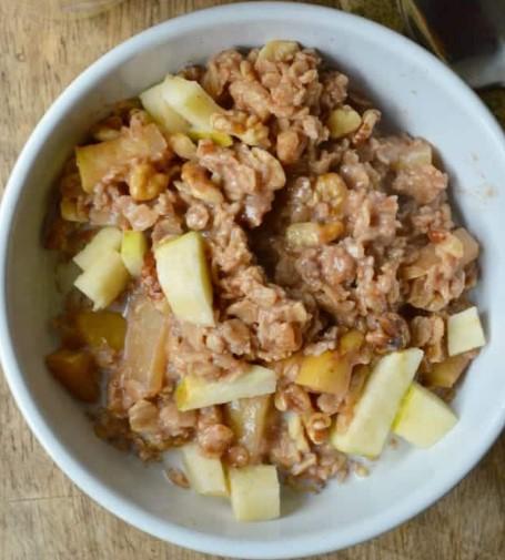 Apple Cinnamon Stovetop Oatmeal