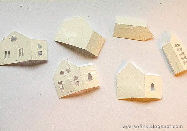 Layers of ink - Winter Village Tutorial by Anna-Karin Evaldsson. Tim Holtz Paper Houses