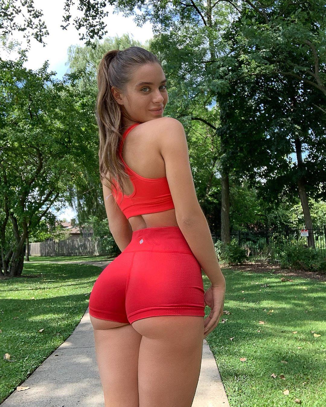 Lana rhoades instagra