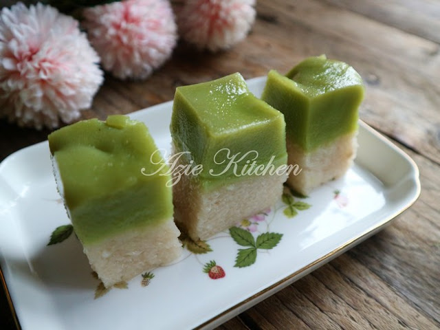 Kuih Seri Muka Istimewa Azie Kitchen - A Keeper Recipe