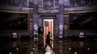 O megapacote financeiro dos EUA e as fraturas do sistema