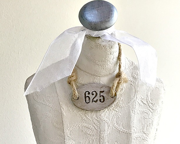 DIY mannequin to hold jewelry