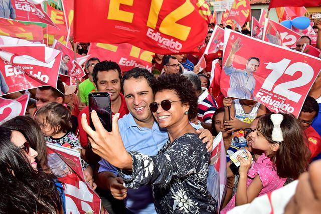 Todos com Edivaldo no Cohatrac. Foto: A. Baeta