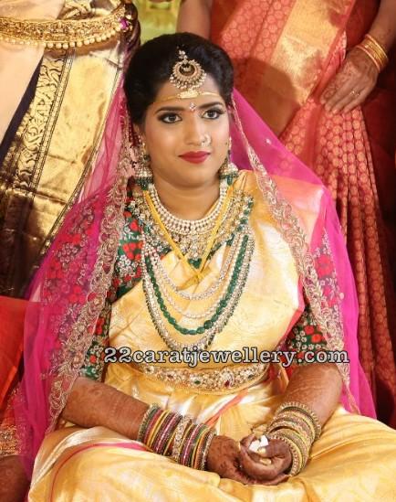 Bride in Emerald Beads Polki Haram