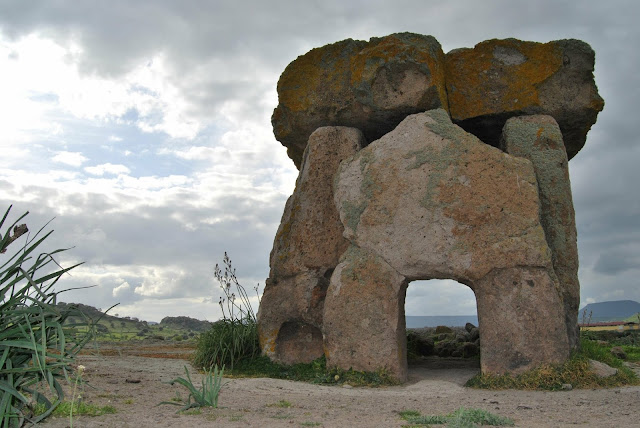 Radiocarbon dates show the origins of megalith graves and how they spread across Europe