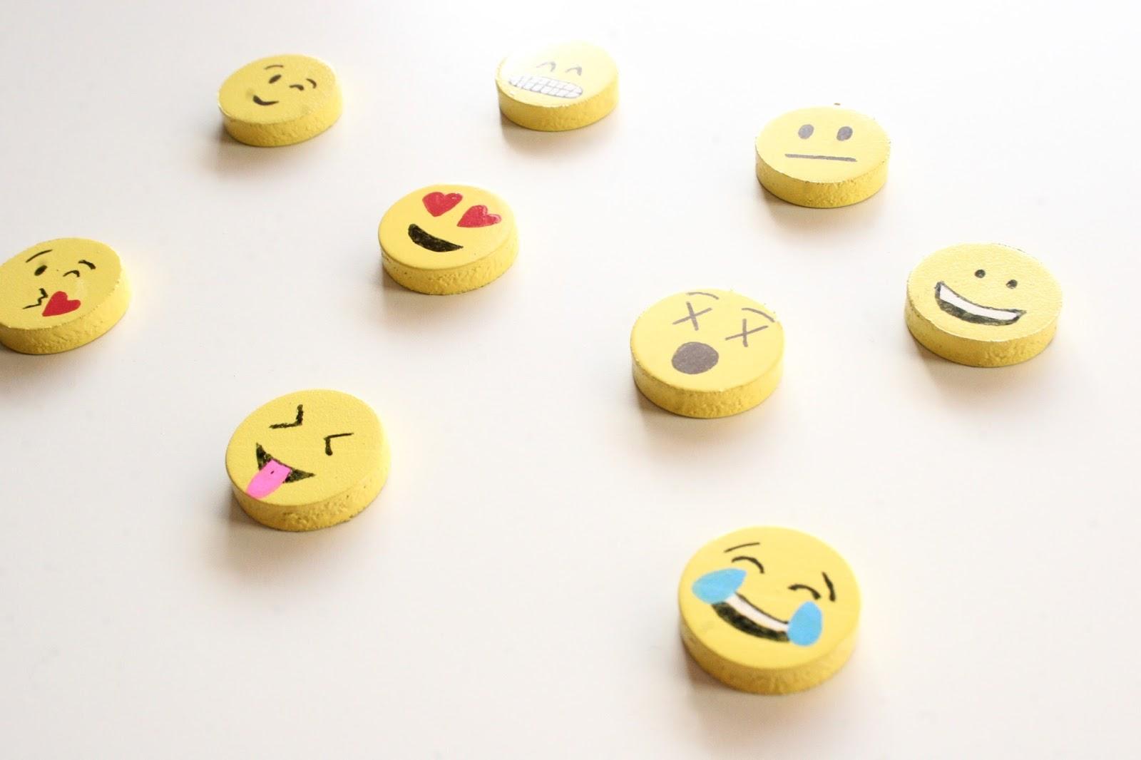 Emoji Magnets | Tech Breeze