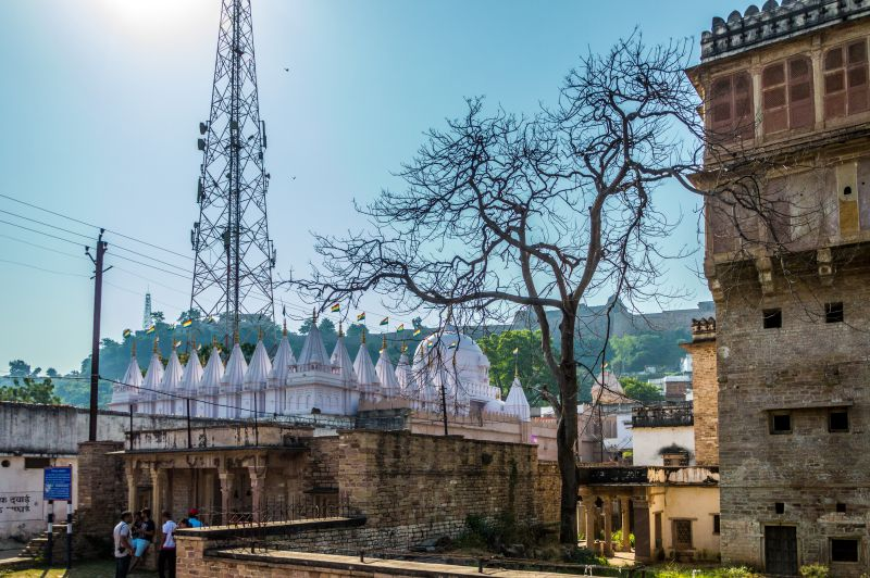 Raja Rani ka Mahal, Jain Mandir and Chanderi Fort in one Frame