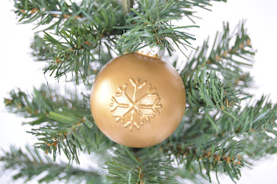 Christmas ornaments using puffy paint