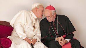 THE TWO POPES: Sisi Manusiawi Dua Orang Paus