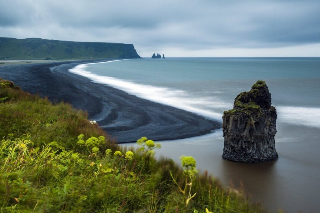 Красоты черного пляжа Рейнисфьяра в Исландии