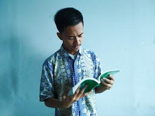 penulis yang hebat adalah pembaca buku yang rakus