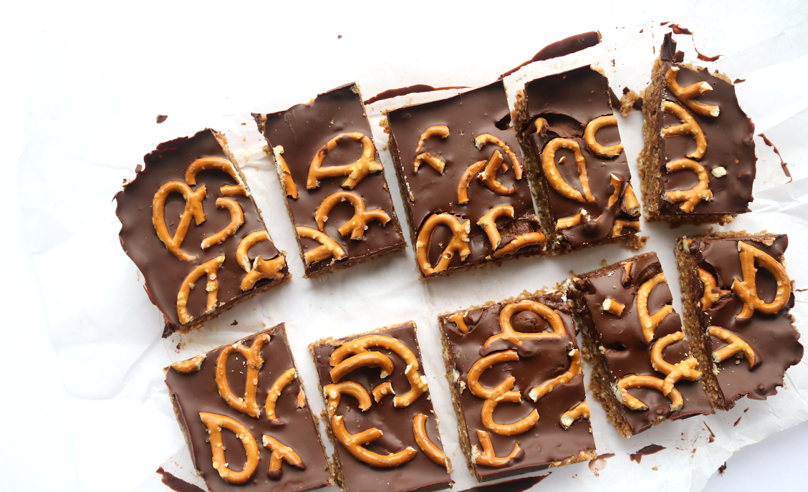 Salted Chocolate Pretzel & Peanut Butter Squares (Vegan / Dairy-Free recipe)
