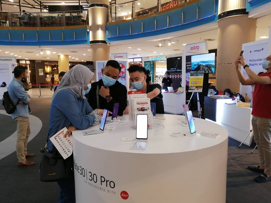 Huawei RoadShow - Ulti-Mate Promotion