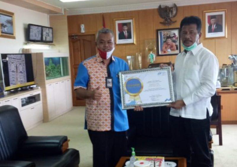 Sukses dan capai SPO, Wali Kota Batam Terima Penghargaan dari BPS