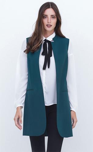 Renner coleção Inverno 2016 colete alongado em alfaiataria e camisa com gola laço